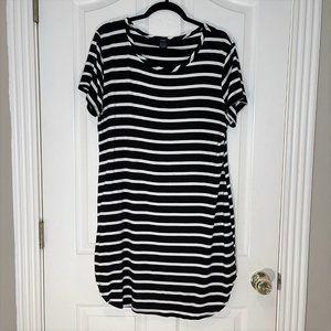 Short Sleeve T-Shirt Black/White Striped Dress 1X